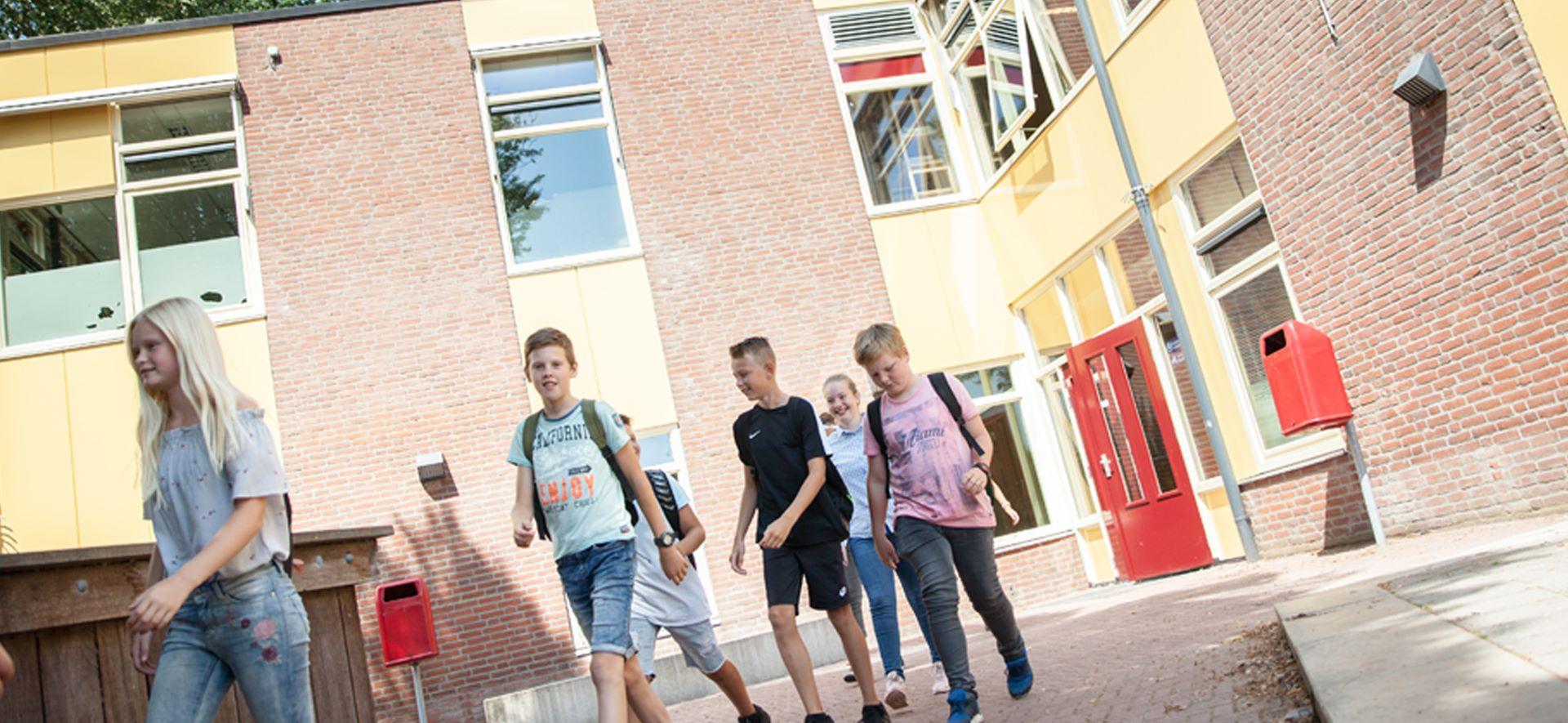 https://www.ubboemmius.nl/wp-content/uploads/2018/09/20180820_Ubbo_online_beeldmateriaal_1_overdezelocatie.jpg
